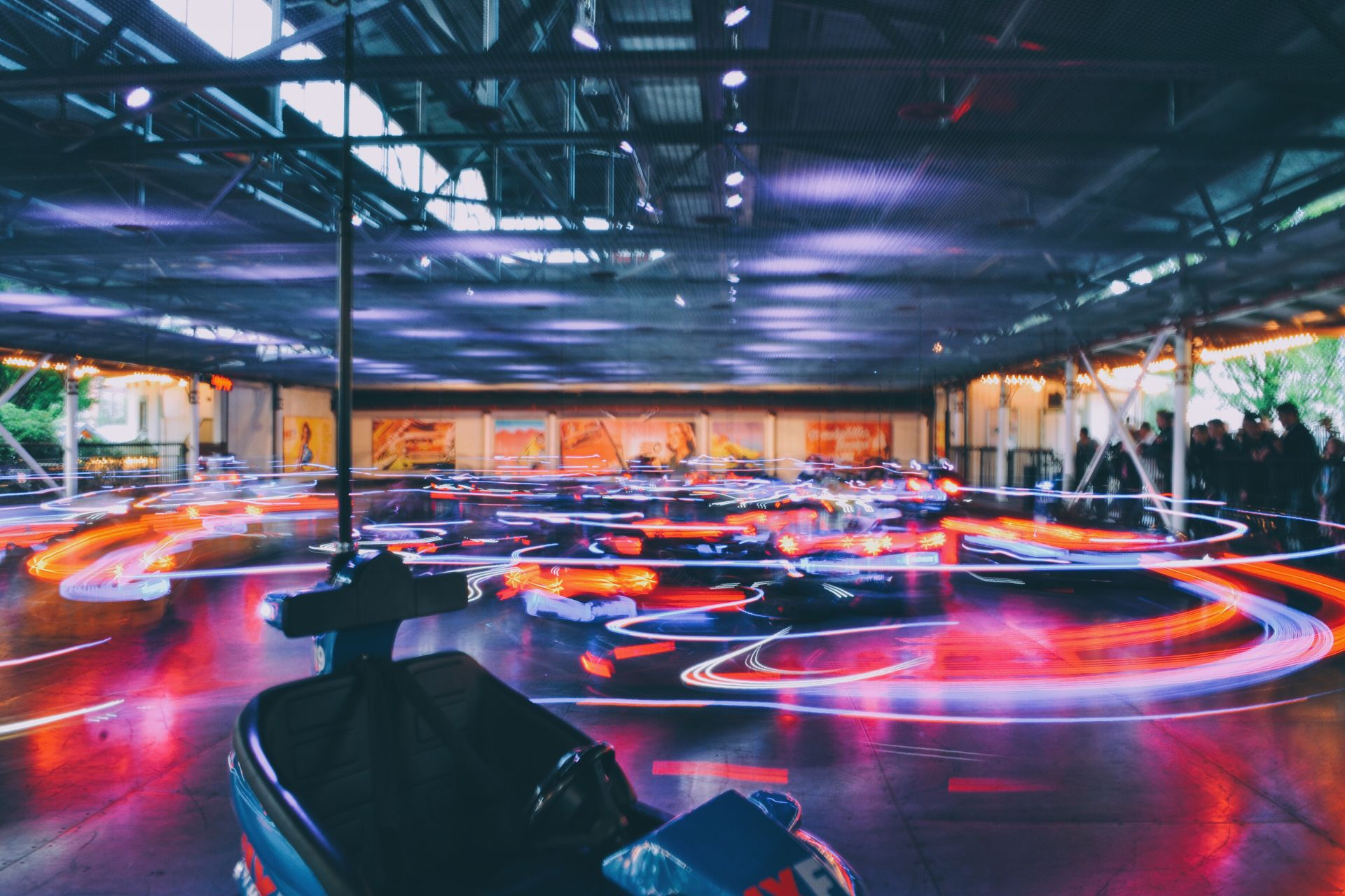 bumper-cars-light-trails_t20_QQJJZa.jpg